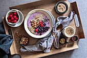 A breakfast bowl with frozen yoghurt and superfood toppings (low carb)