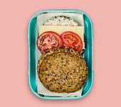 Eiweißbrot mit Thunfischdip, Käse und Tomate (Meal Prep)