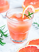 Freshly squeezed natural grapefruit juice with ice