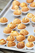 Banana muffins with mango