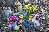 Ostern mit bunten Frühlingsblumen