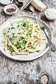 Casarecce mit Broccoli-Pesto
