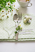 Cutlery with chamomile flowers and a glass bead heart for a birthday