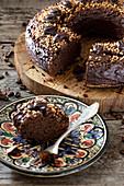 Schokoladen-Kaffee-Kuchen, angeschnitten