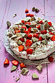 Strawberry wafer cake (no bake cake)
