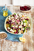 Pasta and beetroot salad with feta