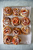 Apple roses made with puff pastry
