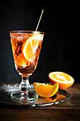 Aperol Spritz mit Orangen
