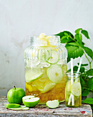 Spicy apple spritzer