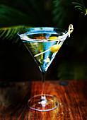 Martini Dry mit Olive