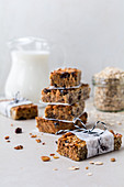 Healthy cereal bars to go