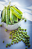 Shelled peas and pods