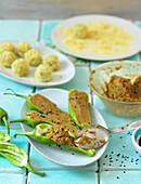 Gefüllte Peperoni mit Linsen-Möhren-Creme