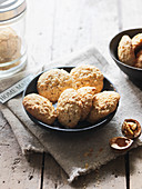 Corn biscuits with walnuts