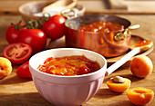 Aprikosen-Tomaten-Konfitüre