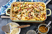 Pasta bake with bacon and cauliflower