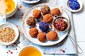 Energy balls with dried flowers