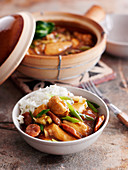 Clay pot chicken with rice (China)