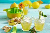 Limonad de Jengibre, Trinidad & Tobago: ginger lemonade with lemon, mineral water and ice