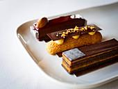 Eclairs mit Schokolade