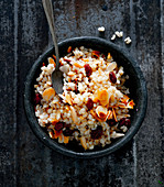 Pilau with raisins and roasted almonds