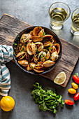 Clams with cilantro and white wine
