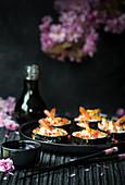 Große Maki Sushi mit Garnelen