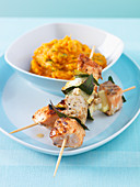 Salmon skewers with mashed sweet potatoes