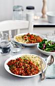 Spaghetti alla bolognese (Spaghetti mit Fleischsauce, Italien)