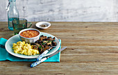Scrambled eggs with mushrooms and baked beans