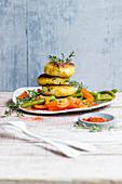 Kartoffelküchlein mit Paprikagemüse und grünen Bohnen