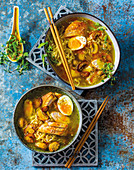 2-minute ramen noodles with chicken breast and egg