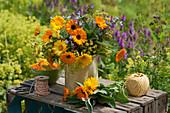 Sommerstrauß aus Ringelblumen, Salbei und Fenchelblüten