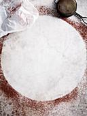 Weisser Kreis, umrandet von Kakaopulver