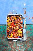 Huhn mit Kartoffeln und Tomaten nach Amatriciana Art (One Pan)