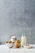 Zutaten für süßes Hefe-Nuss-Brot (Low Carb)