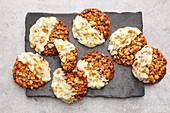 Peanut-curry florentines