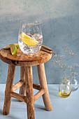 Gin Tonic mit Limettenschnitz