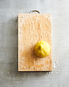 Treating a smelly chopping board with salt and lemon