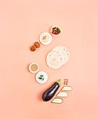 Zutaten der Levante-Küche - Mezze, Hülsenfrüchte, Fladenbrot, Saucen