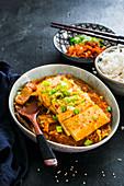 Koreanischer Kimchi-Eintopf
