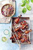 Sticky Chicken Drumsticks mit Coleslaw (Korea)