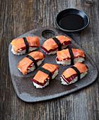 Nigiri sushi with smoked salmon and radicchio