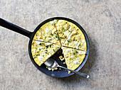 Blumenkohl-Tortilla mit Schafskäse