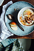 Porridge with apples, dates and walnuts