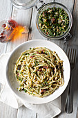 Linguine con pesto alla cetarese (linguine with a spicy nut and parsley pesto, Italy)