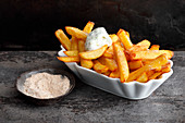 Chips with lemon mayonnaise