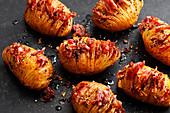 Hasselback-Kartoffeln mit Bacon