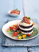 Mozzarella-Reis Türmchen mit Mandel-Tomatencreme