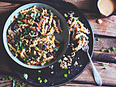 Noodle salad with a creamy peanut dressing